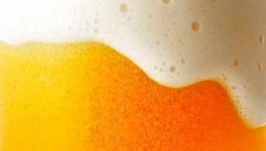 Birra, il fuori casa traina i consumiCresce il fenomeno dei micro-birrifici