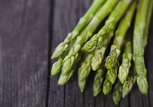 Tutte le virt dell 39 asparago diuretico e versatile in cucina italia a tavola - Le virtu in tavola ...