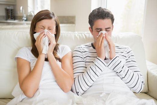 Clima instabile, attenti alla salute! Raffreddore e tosse anche in estate