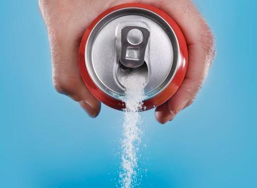 Togliere il 40% di zuccheri dalle bevande Un buon metodo per ridurre l'obesità