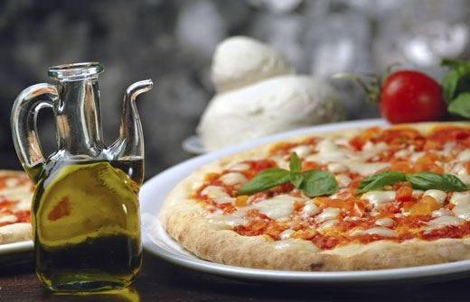 Pizza, solo prodotti Dop e Igp per diventare Patrimonio Unesco