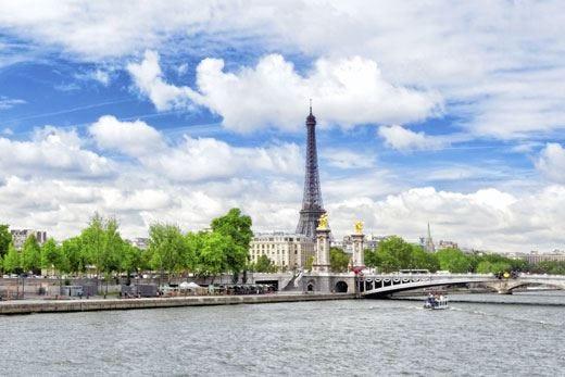 Pasqua: Parigi, Amsterdam e Londra le mete più gettonate dai turisti italiani