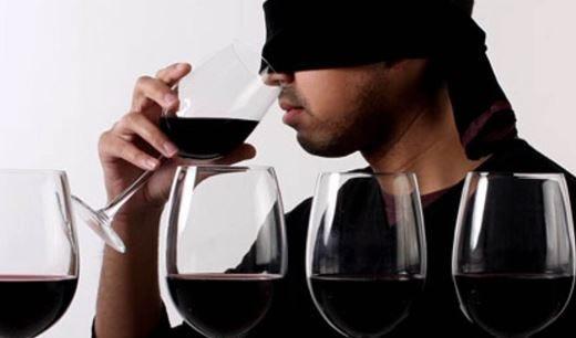 """Massucco lancia """"5 sfumature di vino"""" Un'originale degustazione alla cieca"""