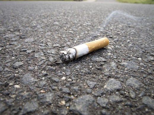 I mozziconi di sigaretta per strada provocano gravi danni alla ...