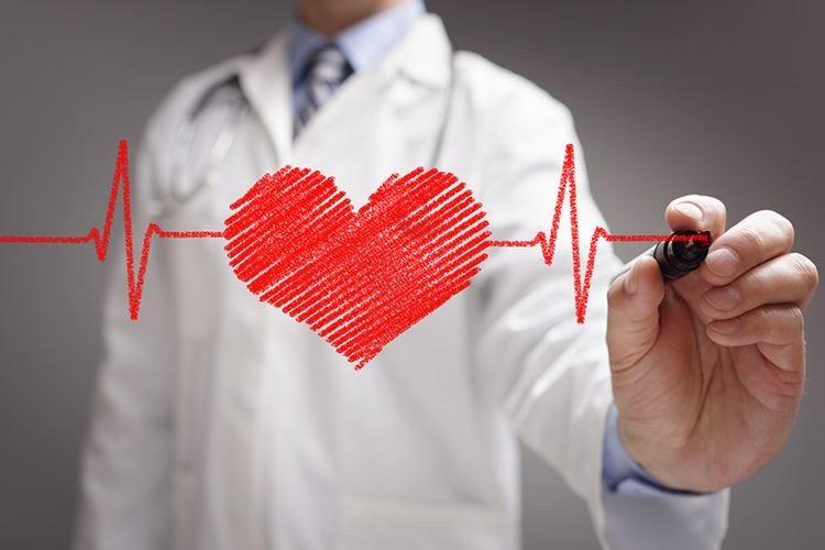 Il benessere del cuore inizia da noci, olio evo e attività fisica