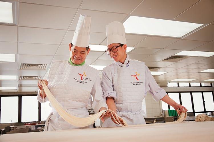A febbraio il primo Corso di cucina cinese Si parte per Hong Kong con Alma!