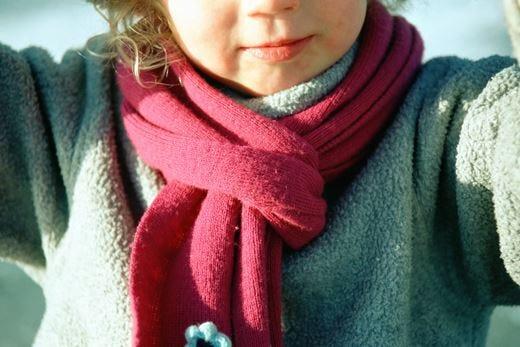 Per evitare l'acne da sciarpa prediligere il pile alla lana