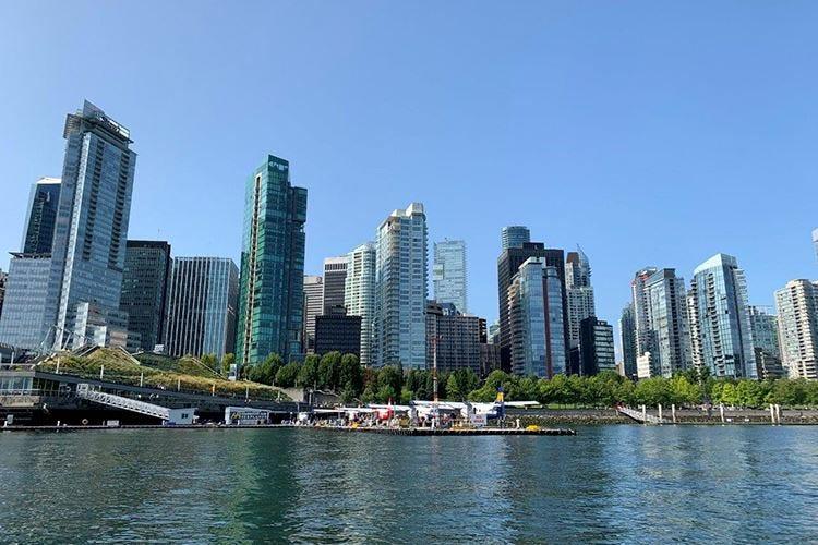 Al St. Regis si rivive la storia della giovane Vancouver