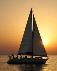 Il sapore della Sardegna a gonfie vele: itinerari enogastronomici in barca