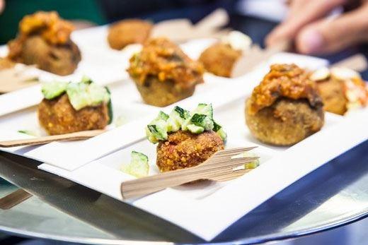 "Da ""All_Bi_One"" un nuovo £$street food$£ Polpette d'autore firmate Dario Tornatore"