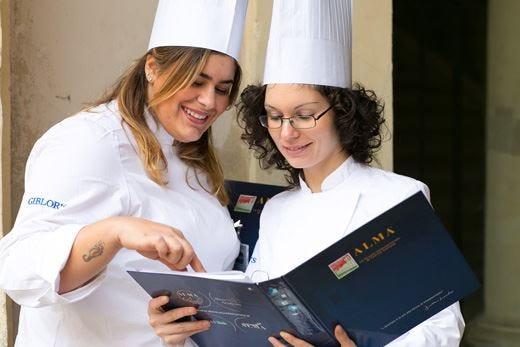 Alma forma i professionisti del futuro con i corsi di pasticceria e cucina italiana