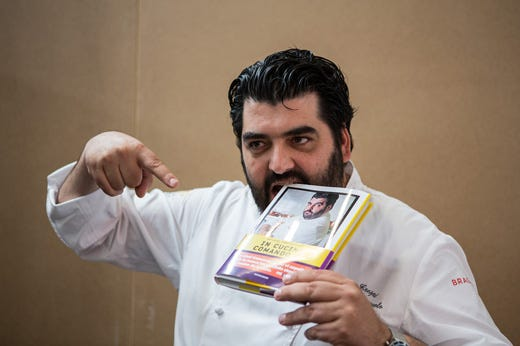 Cannavacciuolo a casa cookbook per un esplosivo show cooking italia a tavola - Libro cucina cannavacciuolo ...