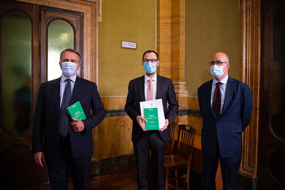 Paolo Cuccia, Stefano Patuanelli, Carlo Tamburi Italia all'aria aperta, va dove ti porta la sostenibilità