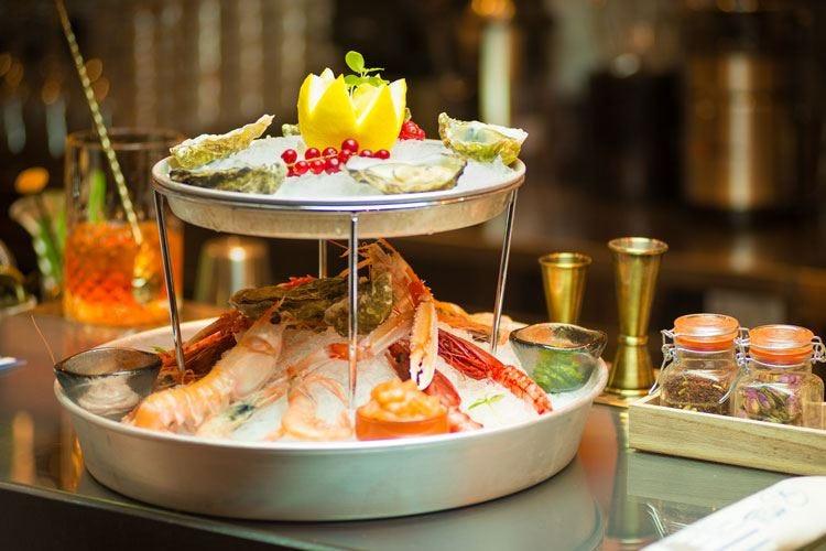Banchina 63, il mare in tavola Un Fish Bar in pieno stile italiano