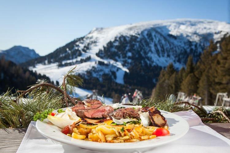 Sulle piste della Val D'Ega una tavola per Beef & Snow