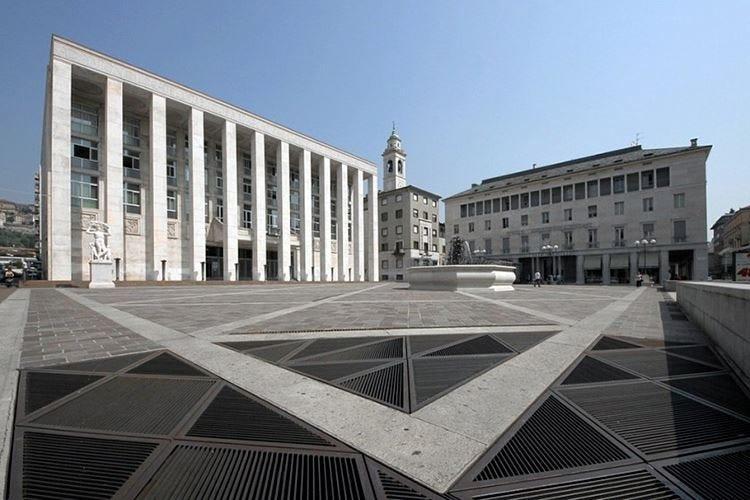 Bergamo, una nuova pizzeria per rilanciare piazza della Libertà