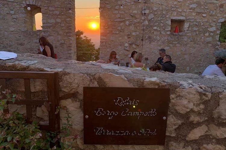 L'agosto a Borgo Campello è relax abbinato a buon cibo