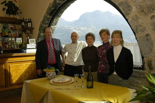 Produttori e Amici del Moscato a Bracca per una buona serata di enogastronomia