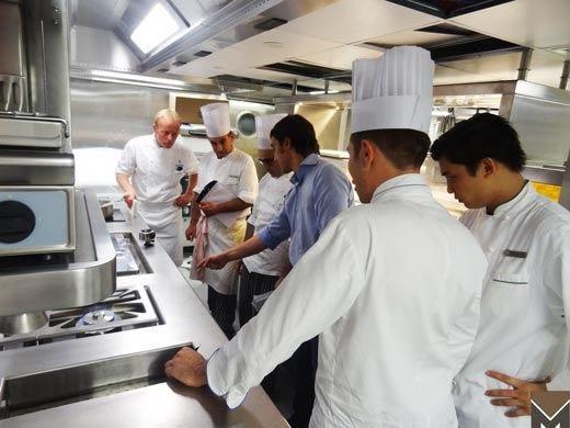 L'Hotel George V non lascia nulla al caso Nemmeno la cucina... firmata Marrone