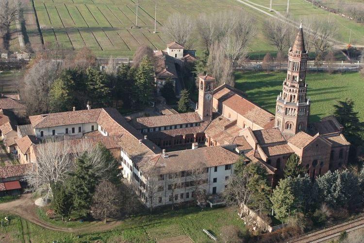 Chiaravalle, un antico borgo da riscoprire Un viaggio alle origini del Grana Padano