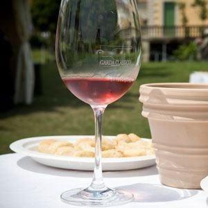 Valtènesi Chiaretto, a San Valentino il primo vino dell'anno nuovo