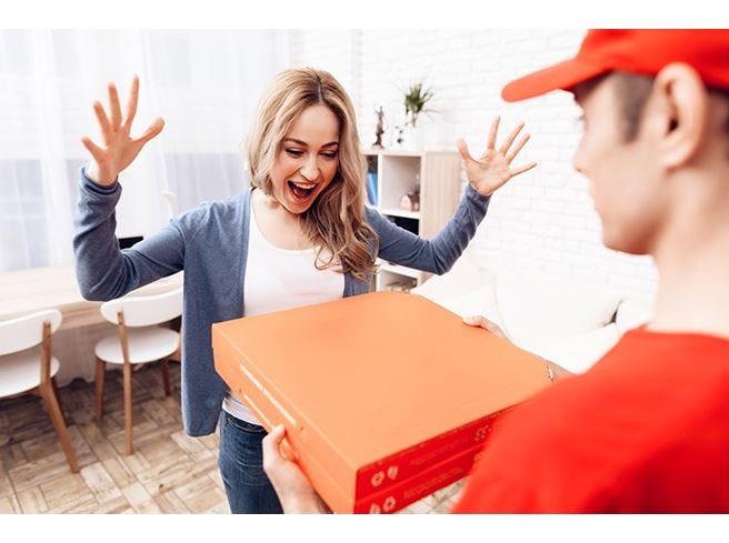 Cibo a domicilio All'estero trionfa la pizza