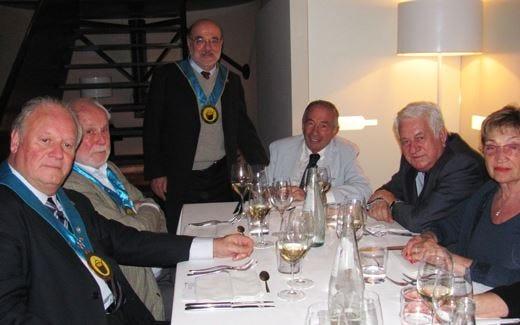 Paolo Stefanetti riceve il diploma del Club Buongustai di Bergamo