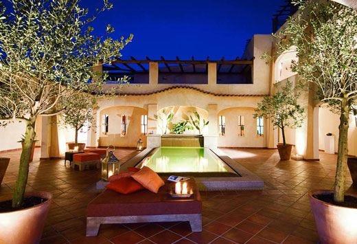 Camera con vista sulla Costa Smeralda al 5 stelle Colonna Pevero Hotel