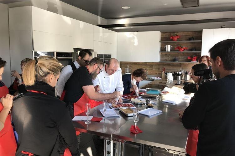 Contenitore social-gastronomico Cucina In è una scuola aperta a tutti