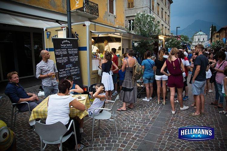 Continua l'Hellmann's Food Truck Tour Una serata di gusto a Riva del Garda