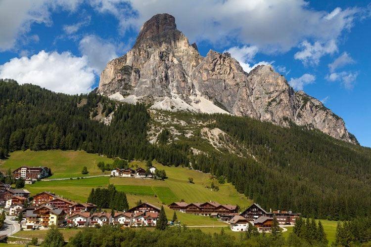 Corvara, l'originalità di Bedin al Col Alto Per l'estate piatti ladini e tirolesi