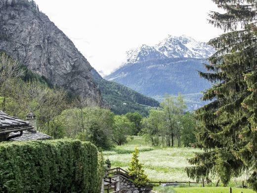 A Courmayeur un referendum per modificare il nome della località
