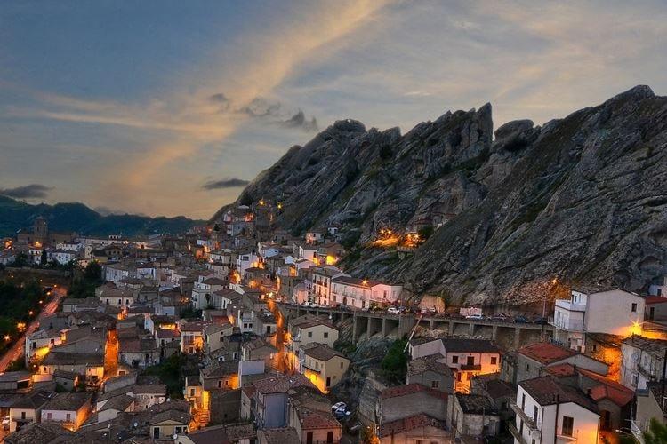 Crowdfunding per i borghi d'Italia Si inizia da tre progetti di riqualificazione