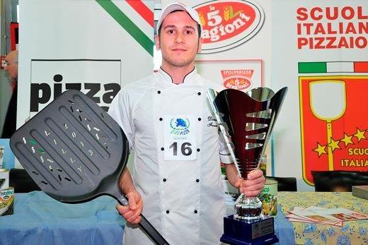 Daniel Favero, miglior pizzaiolo d'ItaliaA Tirreno Ct anche esibizioni £$free styler$£