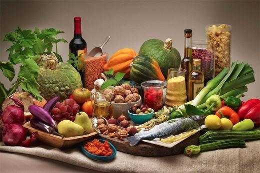 """Il """"Libro bianco sulla dieta mediterranea"""" La tradizione a tavola dalla A alla Z"""