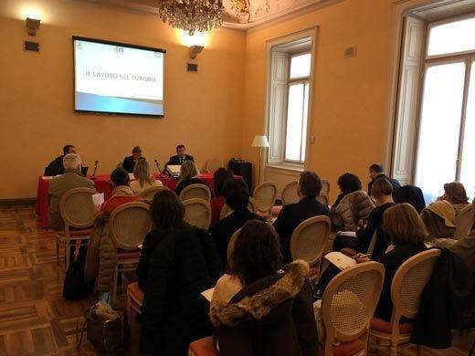 Turismo, un settore decisivo per l'Italiacon il 63% di giovani tra i dipendenti