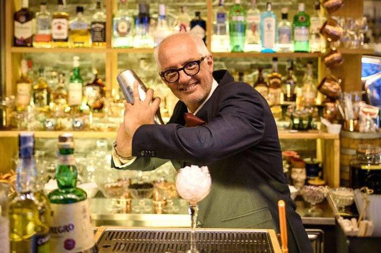 Edoardo Redaelli: «Studio e dedizione alla base della professione del barman»