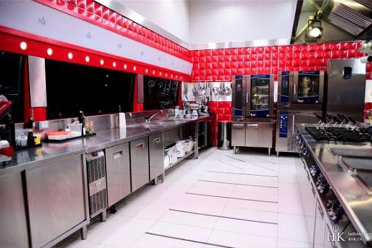 Electrolux protagonista nelle cucine e nei loft di Hell's Kitchen ...