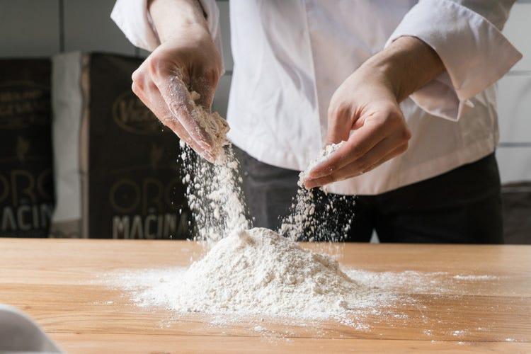 (Elementi, i volti dell'impasto La pizza fai da te di Francesco Vitiello)
