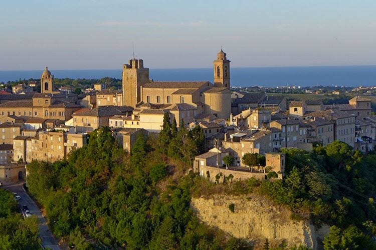 L'Italia del vino e dei borghi Quattro giorni di festa nel fermano