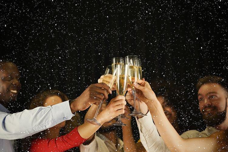 Festività alle porte Scegli con quali bollicine brindare