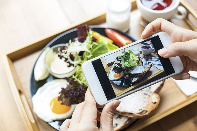 """Food sharing fenomeno dell'estate """"Primo veg"""" piatto della vacanza"""