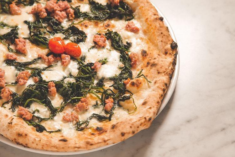 """""""Fornace Stella"""", pizzeria di quartiere Gusto e semplicità appagano il palato"""