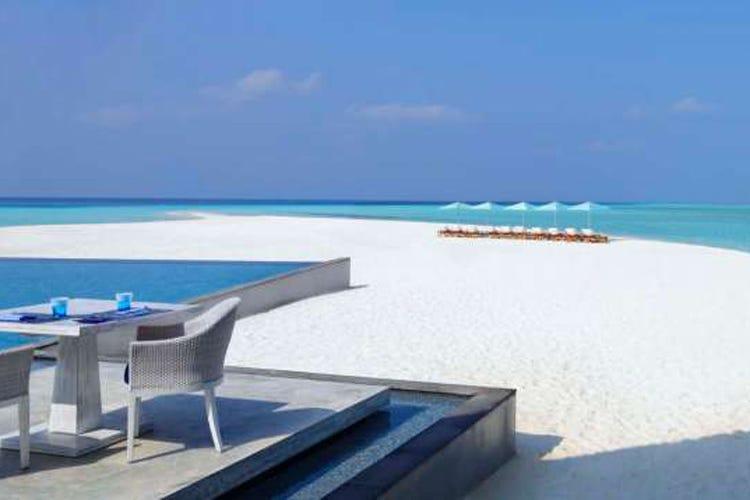 Four seasons hotels regala un sogno alle maldive for Soggiorno alle maldive