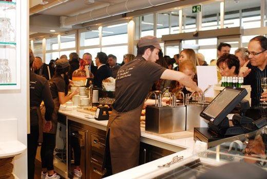 Apre il nuovo Fraccaro Café L'evoluzione del format pasticceria