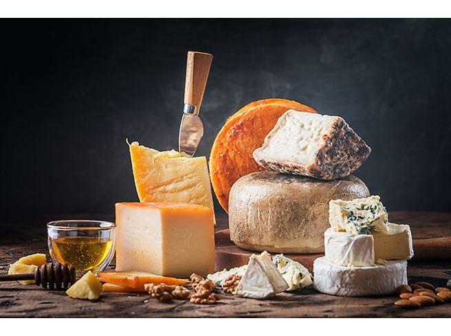 Francia e Italia contro il cibo falso Firmato un patto al Tour de France