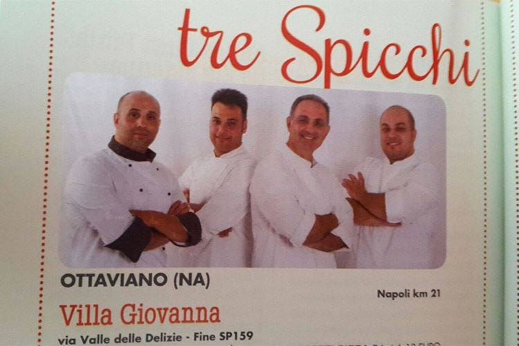 Gaffe del Gambero, per Villa Giovanna una foto con pizzaioli non più in servizio