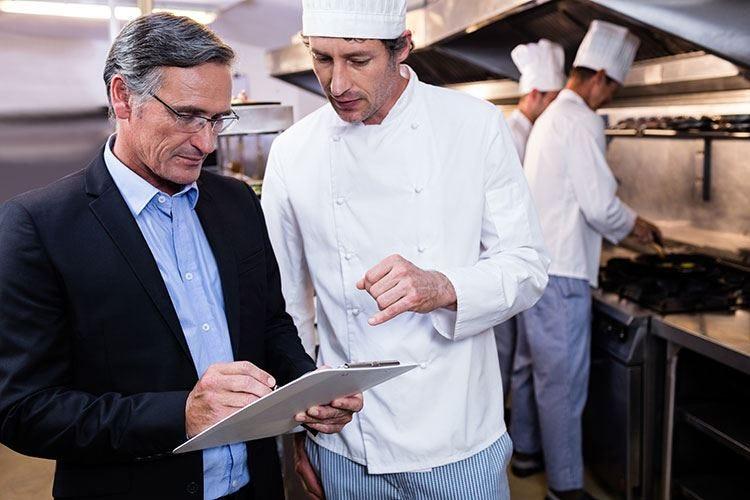 Gestori, cuochi, fornitori e clientela Quanti equilibri nell'impresa ristorante
