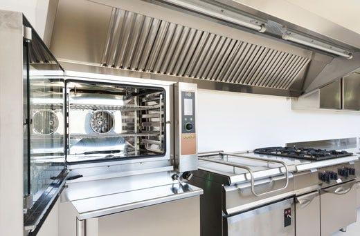Pulizia delle cappe di aspirazione fondamentale nelle - Cucine professionali per ristoranti ...
