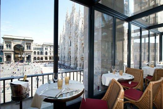 Al ristorante Giacomo Arengario colazione e aperitivo in terrazza ...